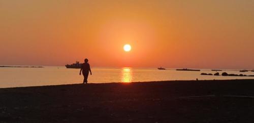 Sonnen Untergang am Geroskipue Beach in Paphos 2019.