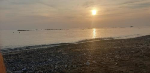 Zypern Sonnenuntergang in Paphos. Herbst 2019