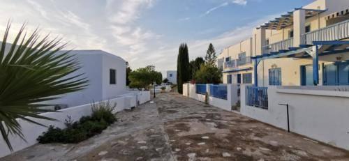 Ein Platz zum Wohnen - Ikaria Village.